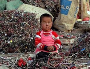 Почему проблема покинутых детей стала одной из основных в Китае?
