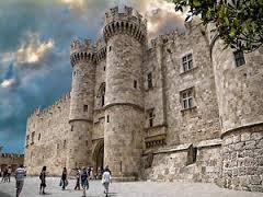 Популярная греческая достопримечательность - Родосская крепость