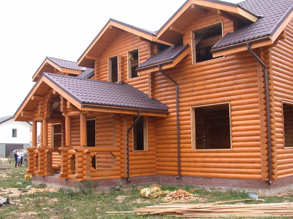 Почему современный человек в строительстве выбирает традиционные материалы?