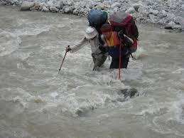 Как правильно переходить через горные реки?