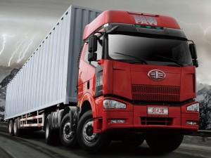 Китай проводит первые испытания беспилотных грузовиков