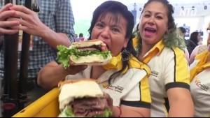 Мексиканские повара приготовили сэндвич весом более 900 килограмм