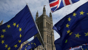 Всего 34% британцев поддерживают Brexit без соглашения