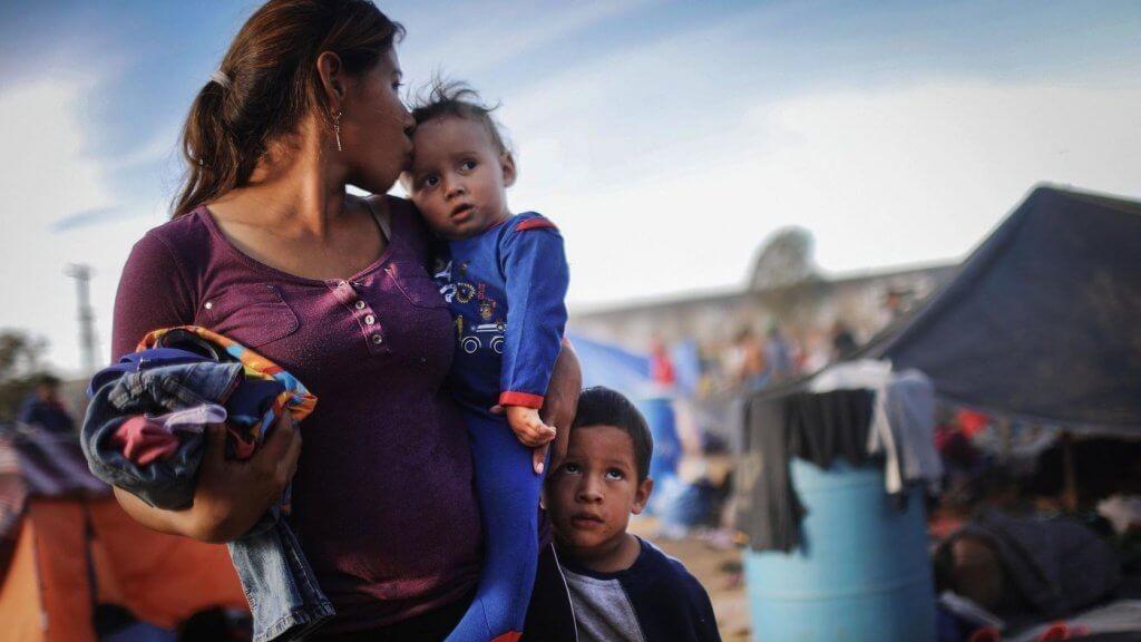 В США планировали разделить 26 000 семей мигрантов в 2018 году