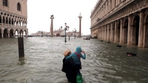 Венеция в смятении из-за сильнейшего наводнения за последних 50 лет