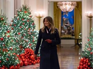 Мелания Трамп сама руководила рождественским украшением Белого дома 2019 года