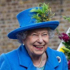 Королева Елизавета в экстренном порядке встретится с принцами Чарльзом, Гарри и Уильямом