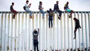 Законодатели США отстаивают права мексиканских беженцев