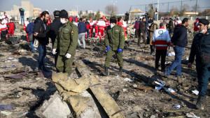 Самолет, потерпевший крушение, задержался на вылет в аэропорту Имама Хомейни