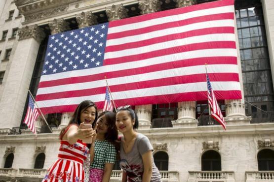 Туристический бизнес США терпит убытки из-за отсутствия туристов из Китая